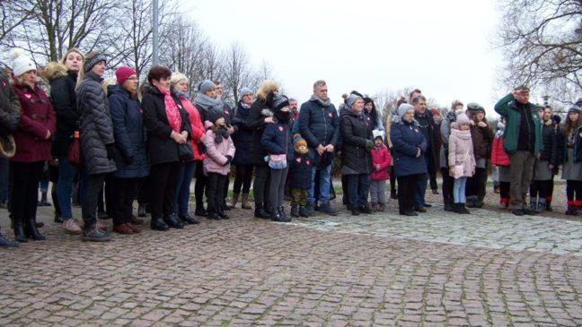 policzanie podczas pogrzebu Pawła Adamowicza